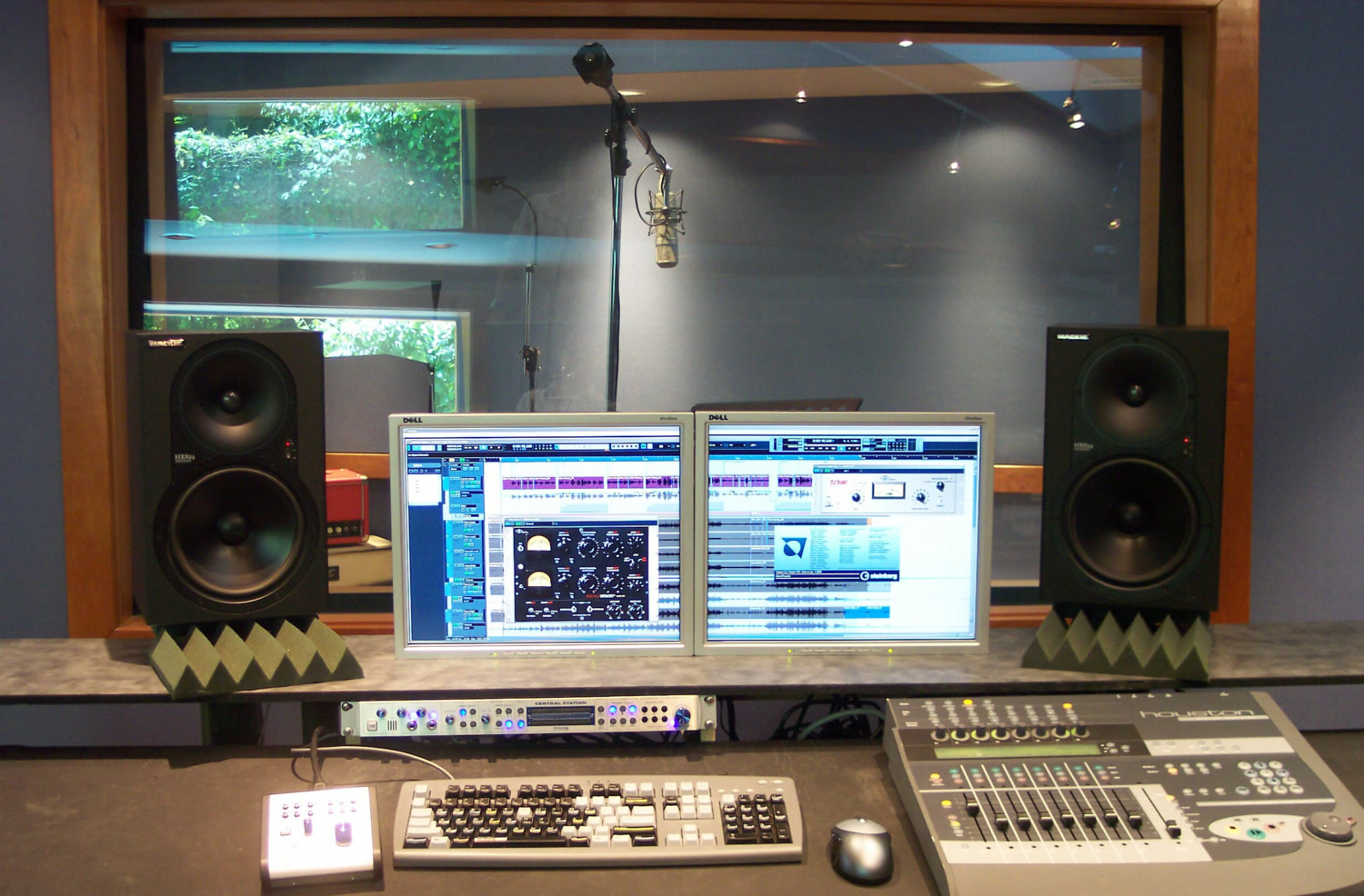 engineer view with Steinberg Nuendo or Cubase 4